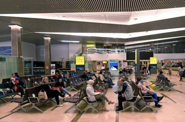 Для пассажиров аварийно севшего в Красноярске Boeing готовят резервный борт