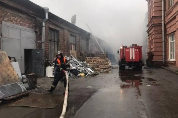Пожар на складах в Нижнем Новгороде локализован