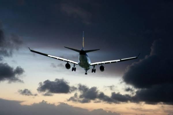 В Красноярске совершил аварийную посадку пассажирский самолет