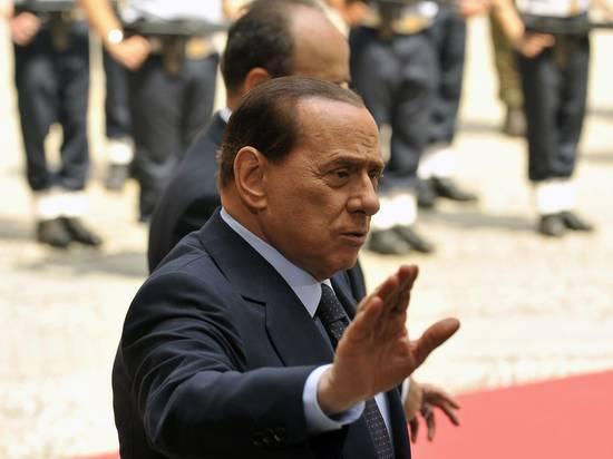 Бывший премьер-министр Италии Берлускони попал в больницу