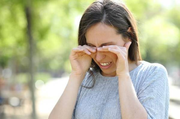 На что чихаем? 5 способов отличить аллергию от простуды