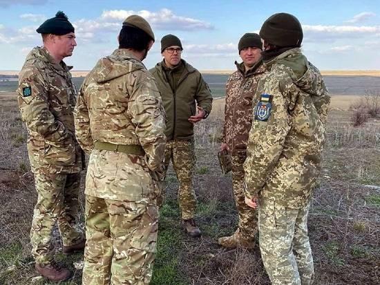 Украинский офицер рассказал о «бумажных» войсках в составе ВСУ