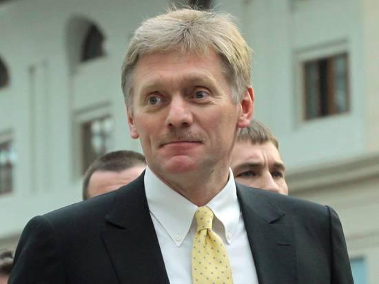 Песков назвал низкие темпы вакцинации в России «нашей особенностью»