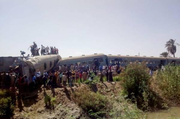 В Египте назвали причину столкновения двух пассажирских поездов