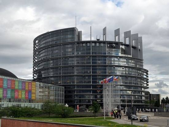 В Европарламенте выступили за ужесточение санкций против России