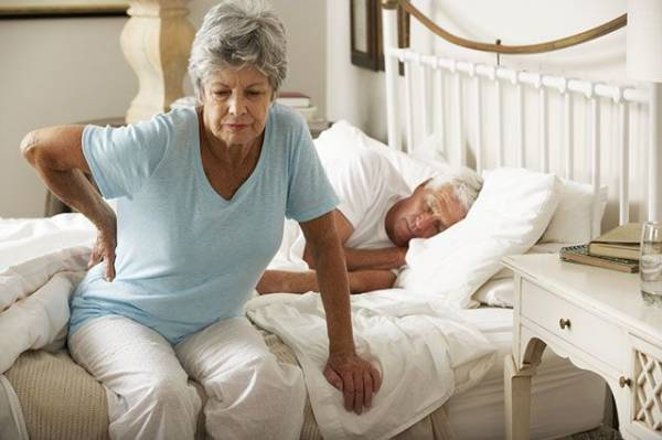 Это не остеохондроз. На что указывает боль в спине у пожилых?