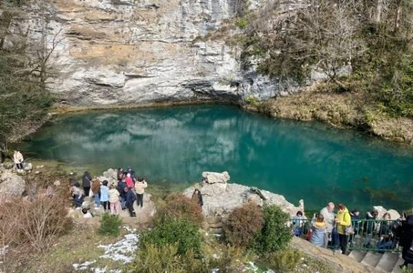 Нужно ли сдавать тест на коронавирус по возвращении из Абхазии?
