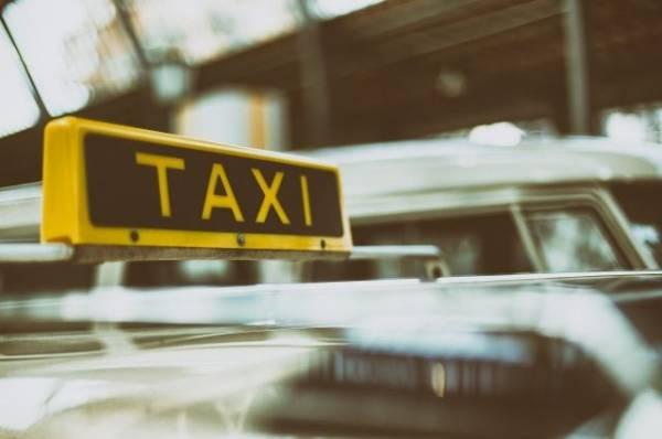 В 2020 году в РФ выросло число погибших в ДТП по вине пьяных таксистов