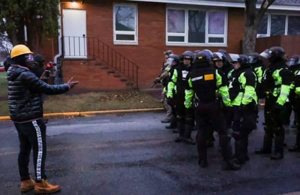 В США задержана экс-сотрудница полиции, стрелявшая в афроамериканца Райта