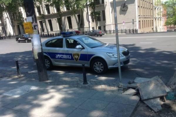 Грузинские полицейские освободили удерживаемых в банке заложников