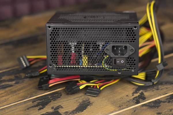 Обзор блока питания Cooler Master ELITE 600 V4