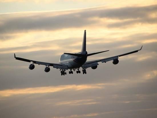 США предупредили авиаперевозчиков об опасности полетов над Россией и Украиной