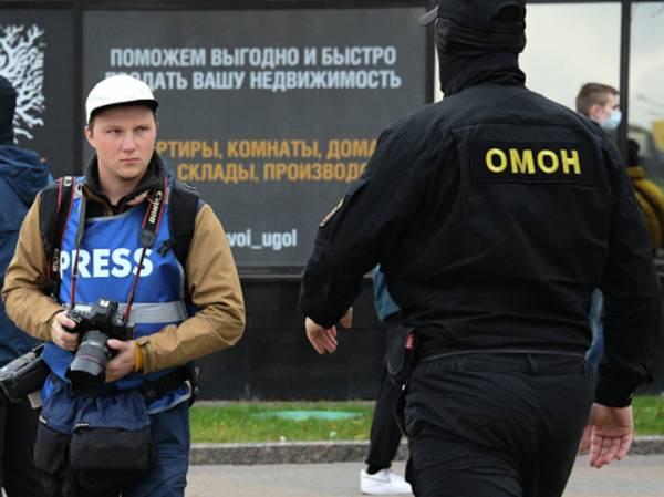 Свобода пресса: журналистам решили раздать опознавательные QR-коды