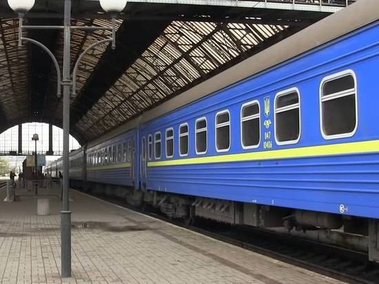 Украинские поезда могут встать в четверг: солярки почти не осталось
