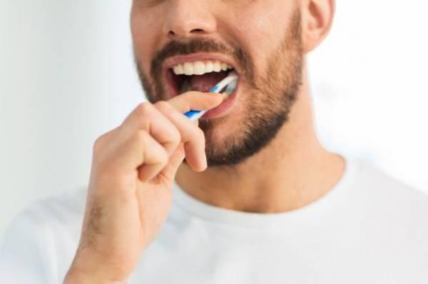 «Клин» для зуба мудрости. Какие мифы о пломбах до сих пор сильны