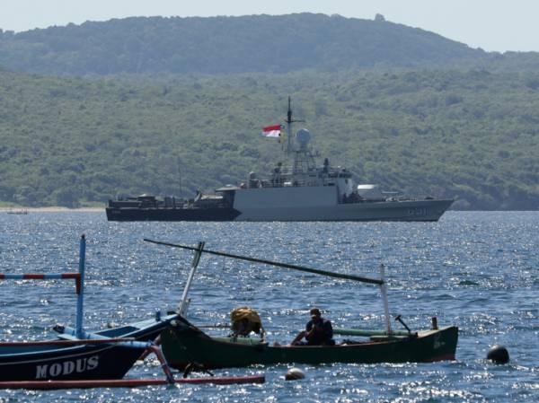 Поднимавший «Курск» адмирал Попов рассказал о шансах на спасение индонезийской подлодки