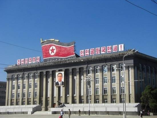 Во Владивостоке увековечили память о лидерах КНДР