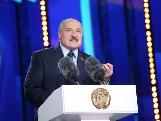 Лукашенко лишил званий более 80 экс-сотрудников силовых ведомств