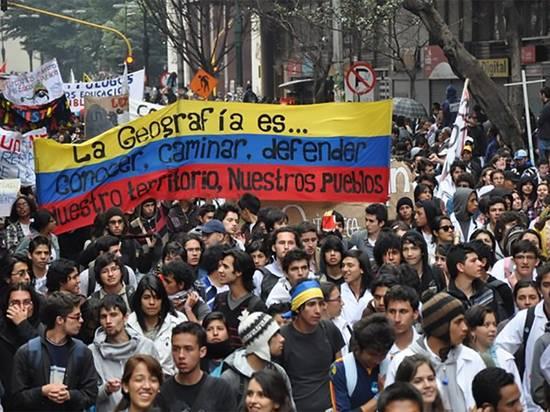 Хакеры заблокировали сайт армии Колумбии из-за насилия при подавлении протестов