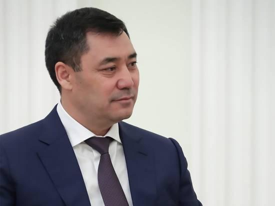 Состоялось подписание новой конституции Киргизии президентом страны