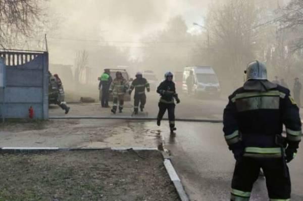 Четыре человека стали жертвами пожара в сварочном цехе в Мытищах