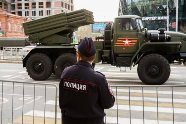 В Москве задержали четверых человек при попытке помешать репетиции парада