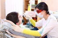 Сомнительное украшение. Как предупредить и лечить клиновидные дефекты зубов