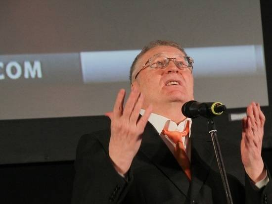 Жириновский потребовал отказаться от рабочих из южных стран