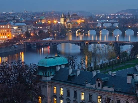 Чехия отказалась снять ограничения числа дипломатов РФ в Праге