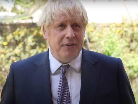 Премьер Британии Джонсон сделал вторую прививку от коронавируса