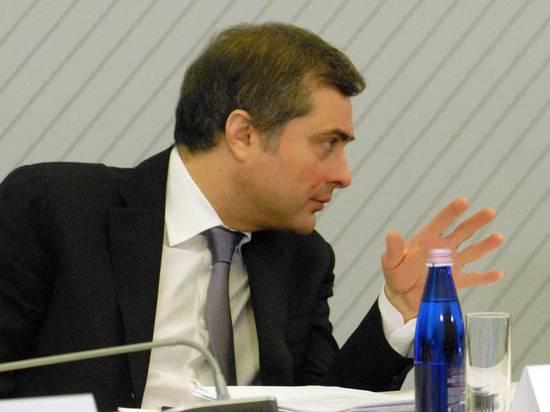 Расшифрован смысл предложения Суркова вернуть Украину силой