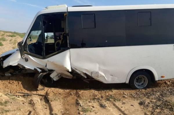 В Астраханской области произошло ДТП с пассажирским микроавтобусом