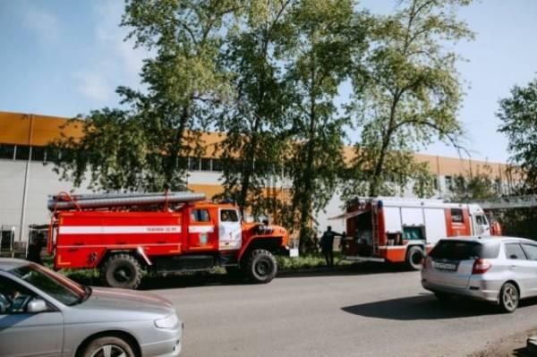 В центре Южно-Сахалинска локализован пожар на крыше многоэтажного дома