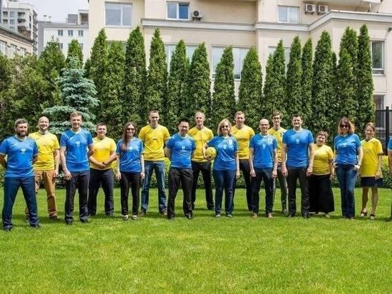 Захарова сравнила дипломатов США с зигующими футболистами из 1938 года