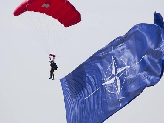 Генсек НАТО потребовал от Украины продолжения реформ
