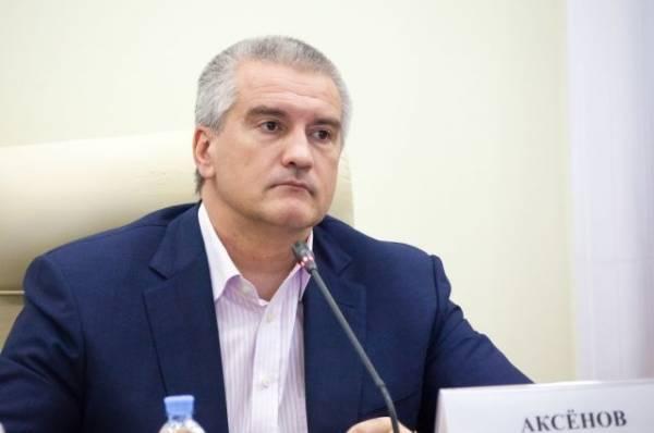 Аксенов объяснил, что за люди в гидрокостюмах плыли за его лодкой в Керчи