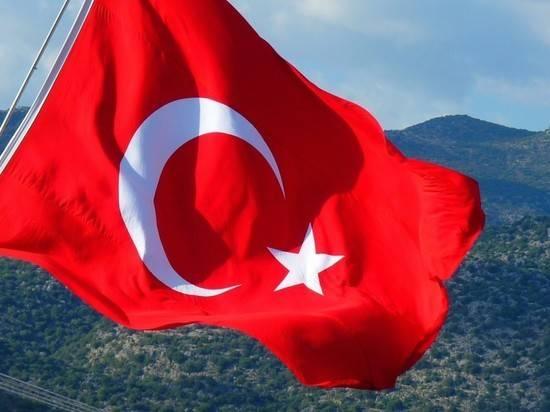 Турция решила разместить в Азербайджане военные базы