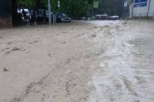 Власти Ялты заявили о колоссальном ущербе от подтопления
