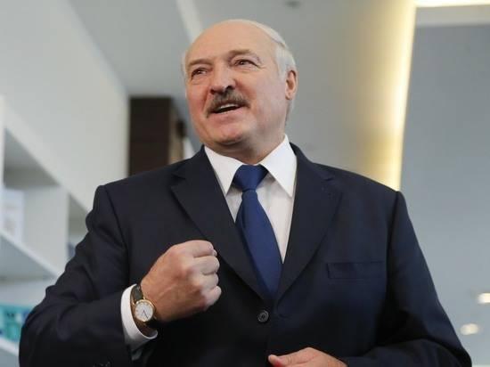 """Лукашенко рассказал, как """"подпитывается"""" антителами к коронавирусу"""