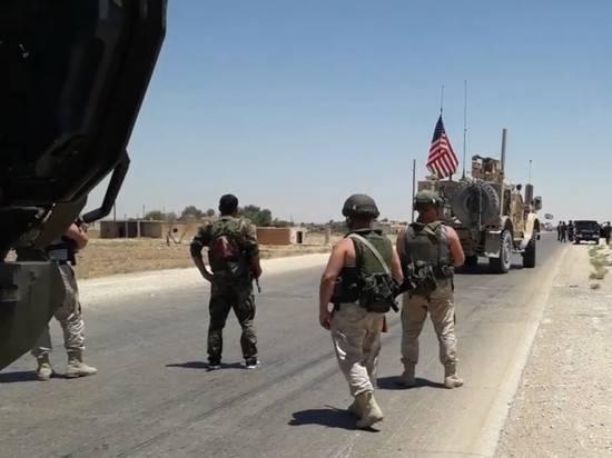 Российские военные развернули американскую колонну в Сирии