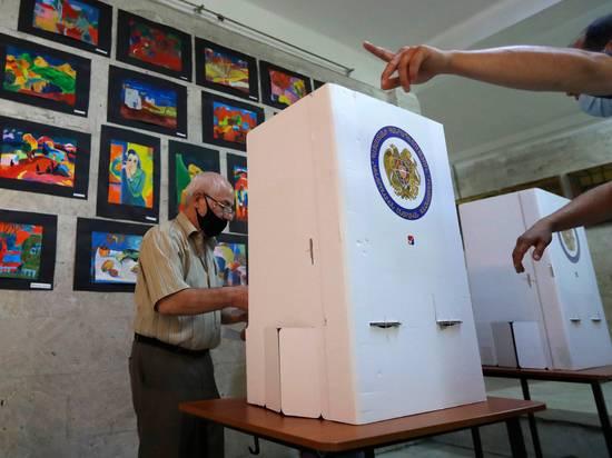 Пашиняну помогли выиграть выборы в Армении ленивые избиратели