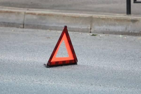 В Москве грузовик врезался в ограждение подземного перехода