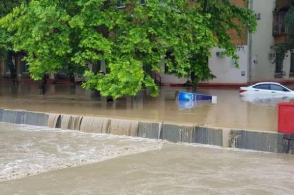 В Ялте объявлены два выходных дня из-за наводнения