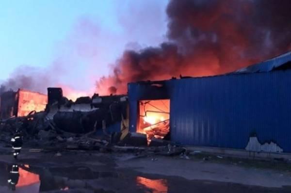 В Подмосковье локализован пожар на складе на площади 8 000 кв. м
