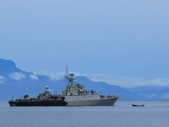 МИД вызовет британского посла после инцидента в Черном море