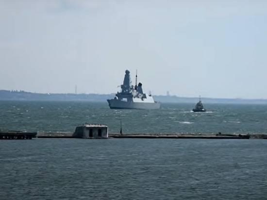«Нужно отстреливаться»: британцы прокомментировали инцидент в Черном море