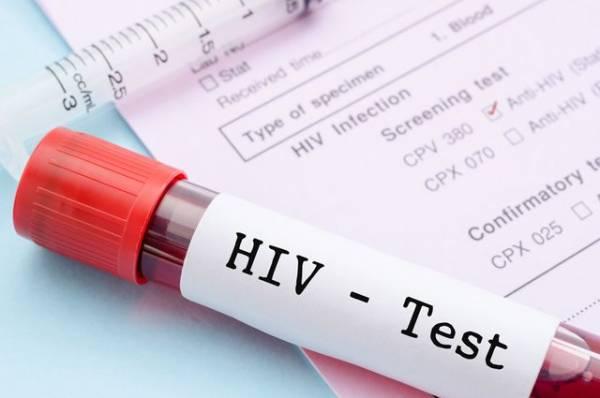 Век вирусных инфекций. Учёные обсудили перспективы борьбы сВИЧ и COVID-19