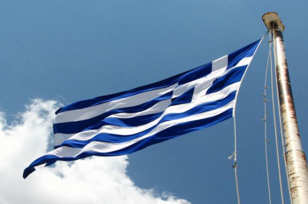 В Греции монах облил кислотой семерых митрополитов