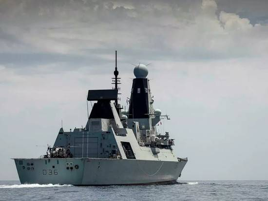 В Лондоне заявили, что эсминец Defender не приближался к Крыму