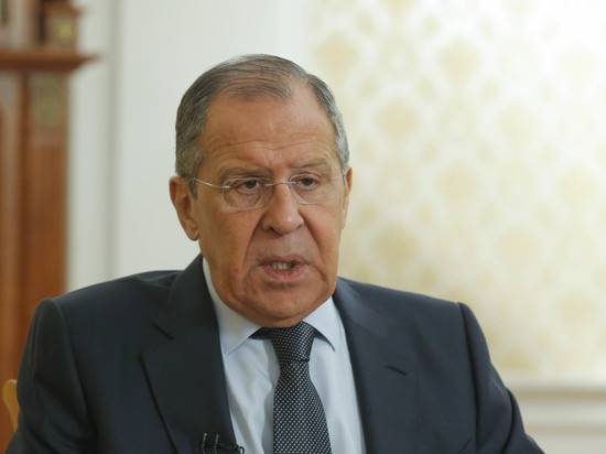 Лавров заявил о попытках Запада создать пояс нестабильности вокруг РФ